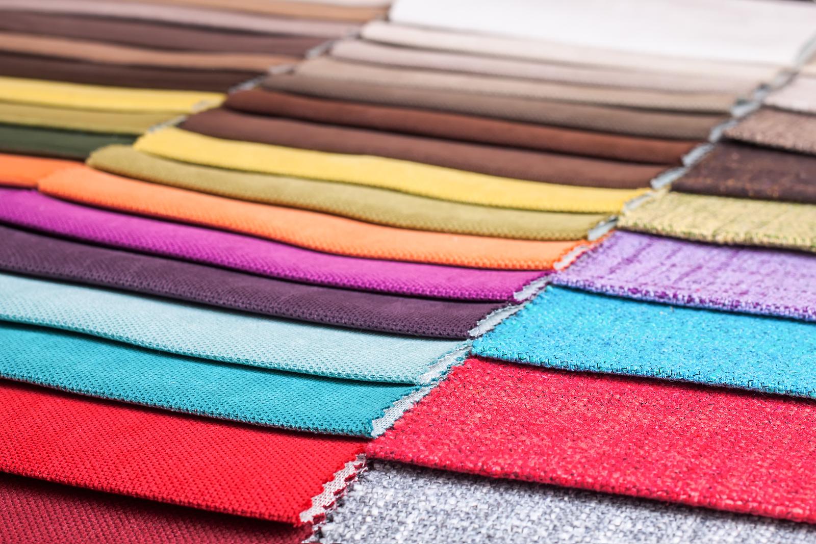 amostras de tecidos coloridos
